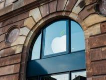 Día de la Tierra de Apple Store Imagenes de archivo