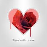 Día de madres feliz Vector el ejemplo festivo del día de fiesta con las letras y el rojo Rose Heart Fotos de archivo libres de regalías