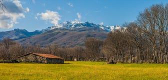 Día de primavera soleado en Sierra de Gredos Fotos de archivo