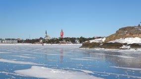 Día de Sunny February en el golfo de Finlandia Hanko, Finlandia almacen de metraje de vídeo