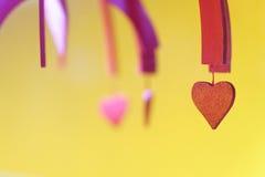 Día de tarjeta del día de San Valentín corazón adornado de la tarjeta del día de San Valentín, ascendente cercano del fondo Fotos de archivo libres de regalías