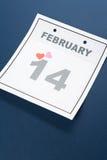 Día de tarjeta del día de San Valentín del calendario Imagenes de archivo