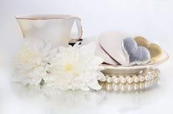 Día de tarjeta del día de San Valentín del santo - símbolo de corazones y de flores Fotografía de archivo libre de regalías