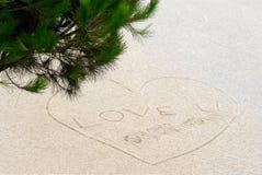 Día de tarjetas del día de San Valentín en la playa Imagenes de archivo