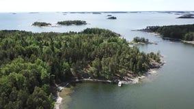 Día de verano en el archipiélago por el golfo de Finlandia almacen de video