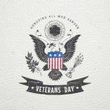 Día de veteranos feliz Elementos detallados Viejo grunge retro del vintage Efecto rasguñado, dañado, sucio Etiquetas tipográficas Fotos de archivo