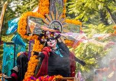 Día del desfile muerto de Dia de los Muertos en Ciudad de México - México foto de archivo libre de regalías