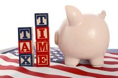 Día del impuesto de los E.E.U.U., el 15 de abril, concepto Imágenes de archivo libres de regalías