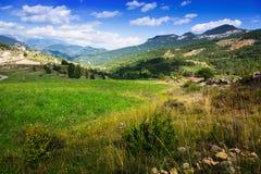 Día del paisaje de las montañas en agosto Foto de archivo libre de regalías