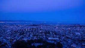 Día del paisaje urbano al lapso de la noche almacen de video