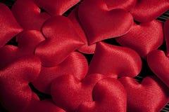 Día del ` s de la tarjeta del día de San Valentín - corazones rojos Fotografía de archivo libre de regalías