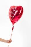 Día del ` s de la tarjeta del día de San Valentín, cumpleaños, concepto del amor balloo en forma de corazón Fotografía de archivo