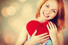 Día del ` s de la tarjeta del día de San Valentín de la mujer que espera para foto de archivo libre de regalías