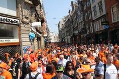 Día en Amsterdam, 30 de abril de 2011 de la reina fotos de archivo