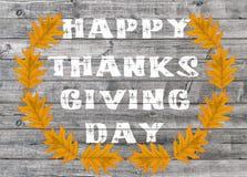 Día feliz blanco de la acción de gracias escrito en fondo del tablero de madera Foto de archivo libre de regalías