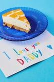 Día feliz del ` s del padre, día internacional del ` s de los hombres o tarjeta de cumpleaños Tarjeta de felicitación coloreada h fotografía de archivo libre de regalías