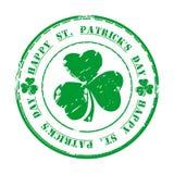 Día feliz del St Patricks 17 de marzo Sello de goma verde del grunge con el trébol y el texto Fotografía de archivo libre de regalías