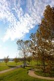 Día hermoso de la caída en el parque Fotos de archivo libres de regalías