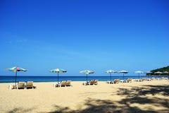 Día hermoso en la playa Fotos de archivo libres de regalías