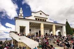 Día hermoso encima de Monserrate, Bogotá, Colombia Imagen de archivo