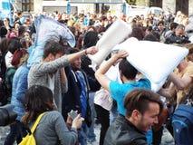 Día internacional Bucarest 2016 de la lucha de almohada Imagen de archivo