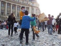 Día internacional Bucarest 2016 de la lucha de almohada Fotos de archivo