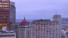 Día a la opinión de Timelapse de la noche sobre Pittsburgh almacen de metraje de vídeo