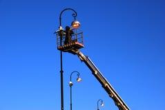 Día laborable del electricista. Foto de archivo