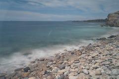 Día largo de la exposición del mar del agua de las rocas Fotografía de archivo libre de regalías