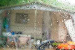 Día lluvioso en una caravana Imágenes de archivo libres de regalías