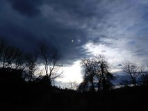 día nublado fotos de archivo