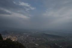 Día nublado de las montañas Foto de archivo libre de regalías