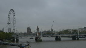 Día nublado en Londres metrajes