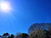 Día soleado en el parque tecnológico de Cerdanyola del Valles foto de archivo