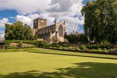 Día soleado en la abadía de Hexham Imagenes de archivo