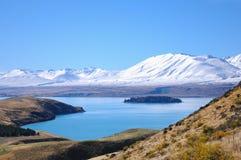 Día soleado en los lugares del paraíso en Nueva Zelanda del sur/el lago Tekapo/iglesia del buen pastor Fotos de archivo libres de regalías