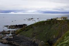 Día soleado hermoso en la bahía Cornualles Inglaterra de Housel Fotografía de archivo libre de regalías