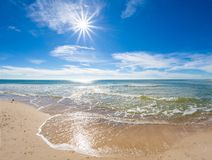 Día soleado sobre el Golfo de México en St George Island Florida foto de archivo libre de regalías
