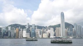 Día soleado y transbordador de la estrella en Hong Kong almacen de video