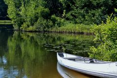 Día tranquilo en el lago Imagenes de archivo