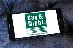 Día y logotipo de la compañía de los sistemas de la calefacción y de enfriamiento de la noche Fotografía de archivo