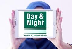 Día y logotipo de la compañía de los sistemas de la calefacción y de enfriamiento de la noche Foto de archivo libre de regalías