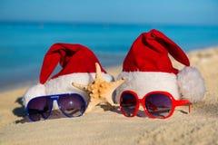 Días de fiesta de la Navidad y Año Nuevo romántico en el mar Imágenes de archivo libres de regalías