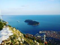 Días de fiesta del viaje de la belleza del mar de la opinión del teleférico de Dubrovnik Croacia Fotografía de archivo