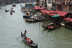 Días de fiesta italianos, canal magnífico en Venecia Imagen de archivo