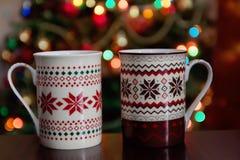 días de fiesta, la Navidad, invierno, comida y concepto de las bebidas - ascendente cercano Foto de archivo libre de regalías
