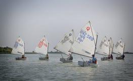 Días 2015 del vintage de la regata en el lago Palic Fotos de archivo