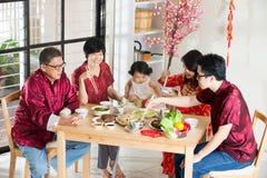 Dîner chinois de la Réunion de nouvelle année photographie stock libre de droits
