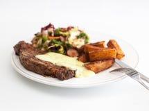 Dîner de bifteck avec des fritures Photos libres de droits