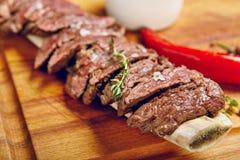 Dîner de bifteck de boeuf image stock